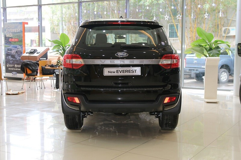 Ford Everest Ambiente 2.0L 4x2 MT