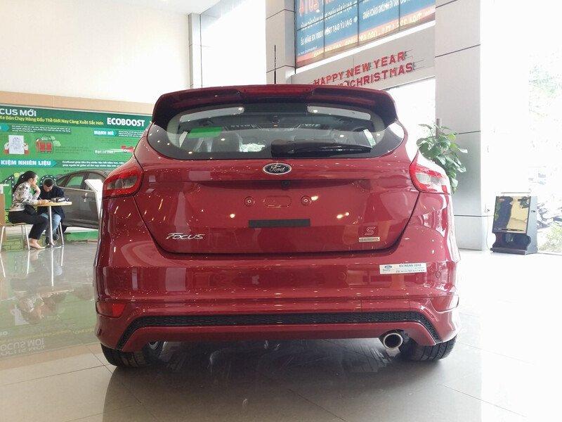 Ford Focus 1.5L Titanium 4 Cửa