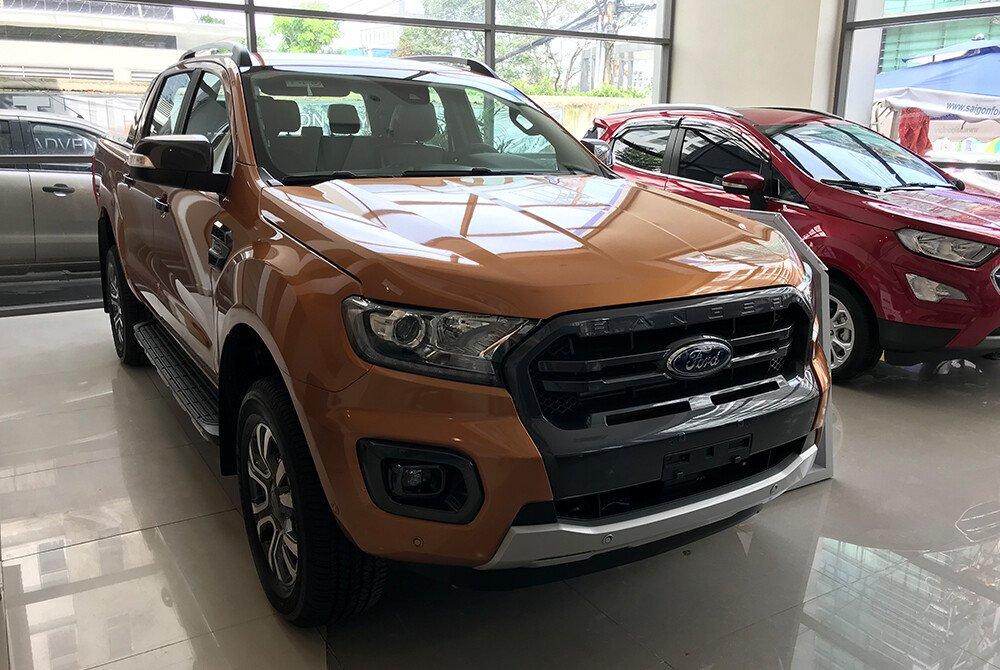 Ford Ranger mang lại cảm giác mạnh mẽ, hầm hố đầy tính thể thao nhưng không kém phần trẻ trung