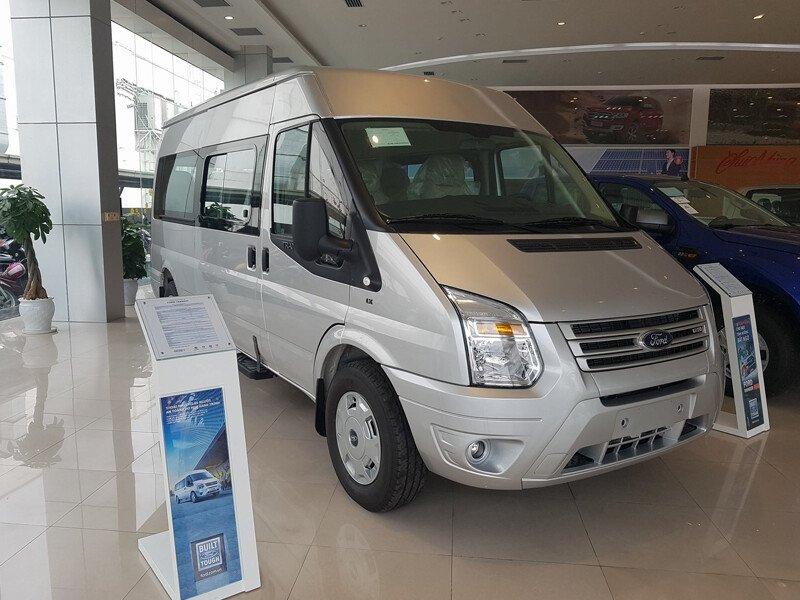 Ford Transit Tiêu Chuẩn