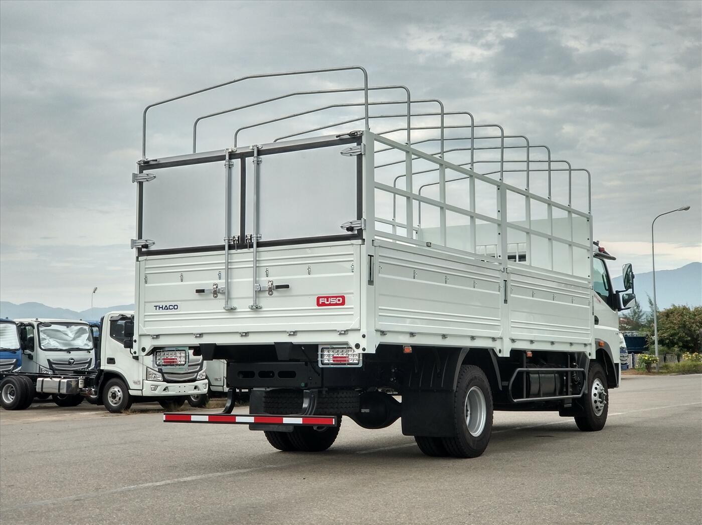 Xe tải Fuso FA140 - Thùng kín - Tải 6.7 tấn
