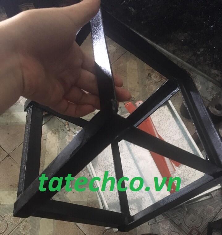 Gá tháo mẫu khuôn đúc mẫu bê tông lập phương bằng nhựa