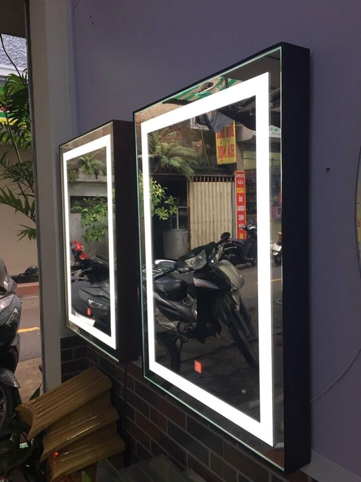 Gương chữ nhật bọc da makeup đèn led Citybuilding CBJ 011CN