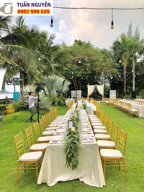 Ghế tiệc cưới Tiffany