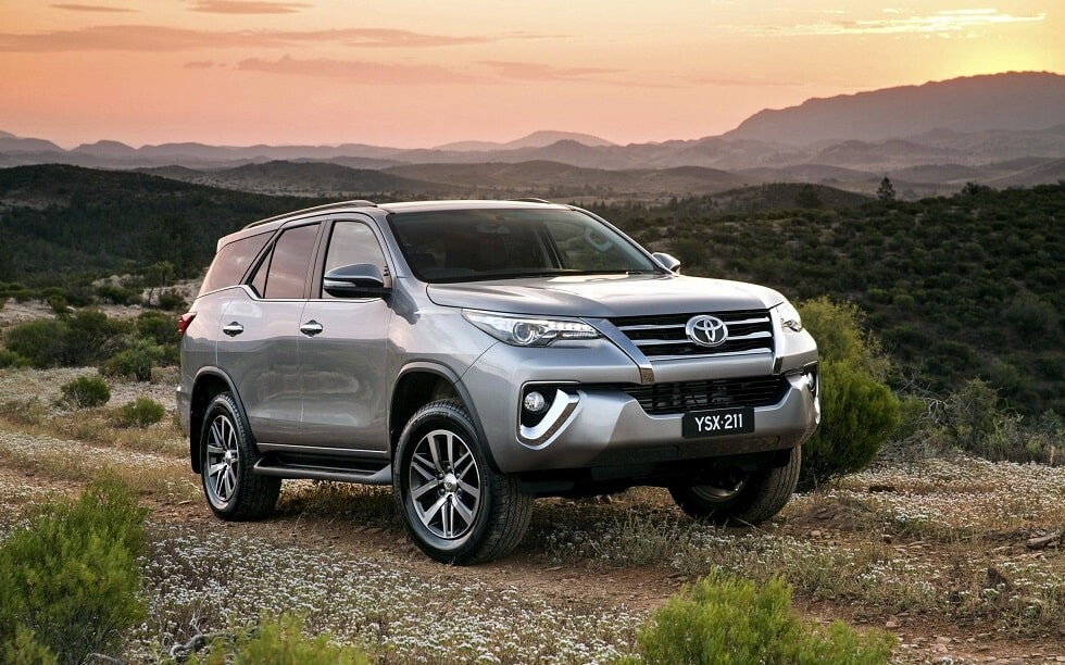 Giá xe lăn bánh Toyota Fortuner 2.8 V 2019