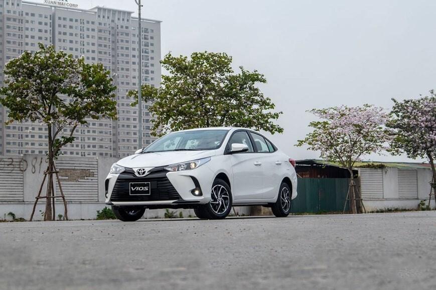 Giá xe ô tô 5 chỗ Toyota Vios E CVT số tự động