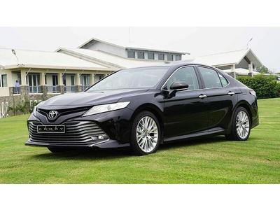 Giá xe Toyota Camry 2020 nhập Thái