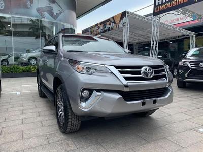 Giá xe Toyota Fortuner 2019 Nhập khẩu, Lắp ráp với khuyến mãi cực tốt.