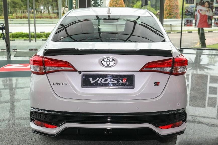 Giá xe Toyota Vios phiên bản thể thao GRS