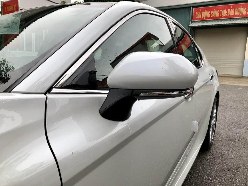 Gương chiếu hậu ngoài của xe Camry mới 2.5 Q