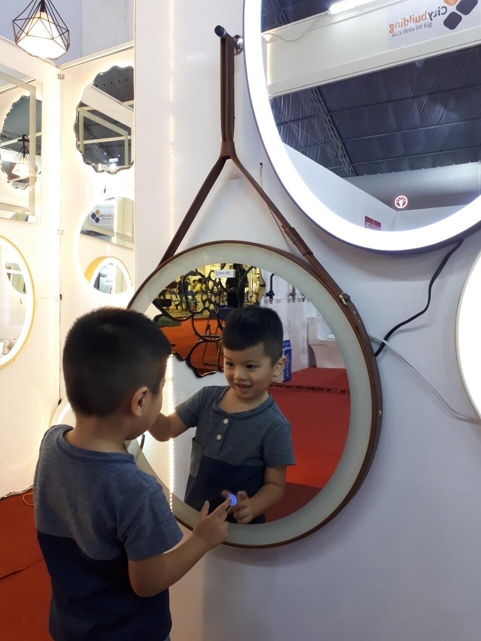 Gương makeup đèn led dây da Citybuilding CBJ 011C