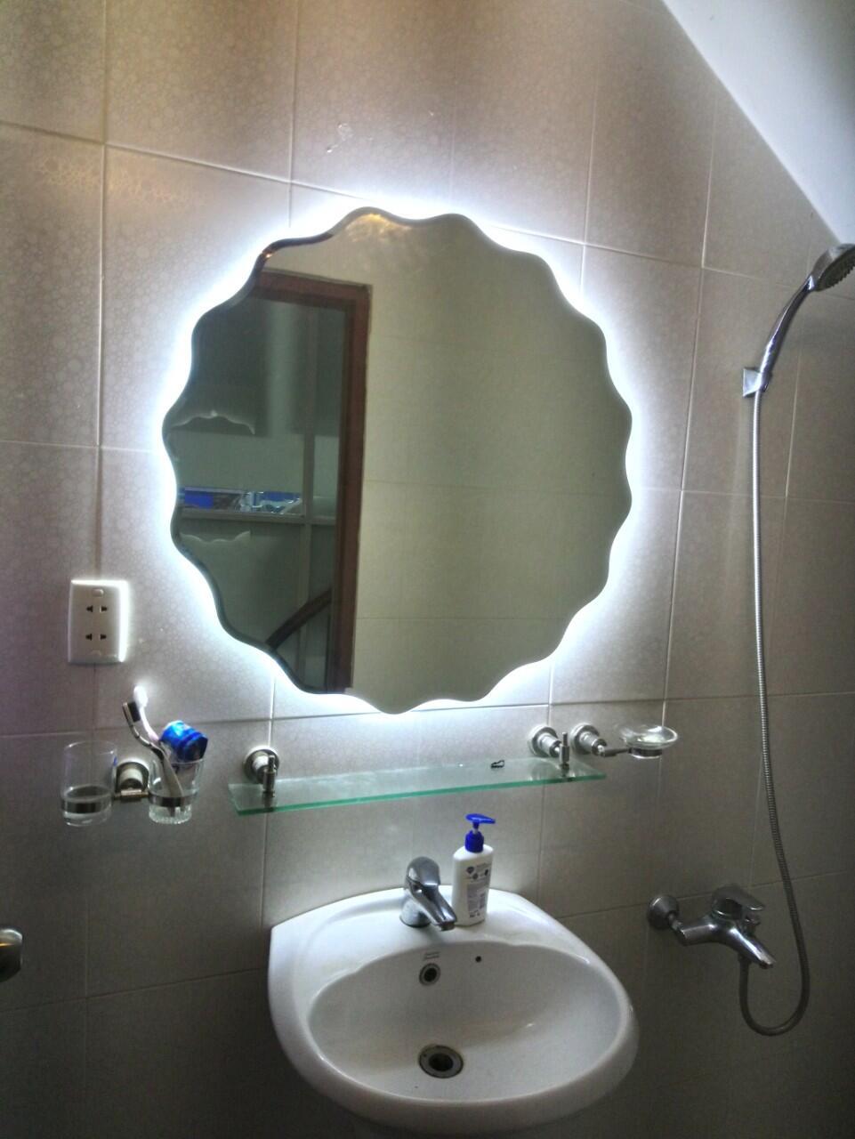 Gương treo nhà tắm đèn led Citybuilding CBJ 202T
