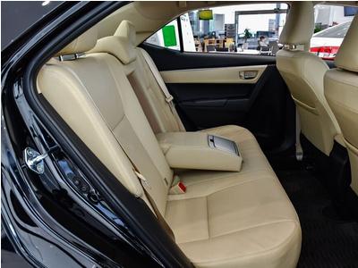 Toyota Altis 1.8 E CVT