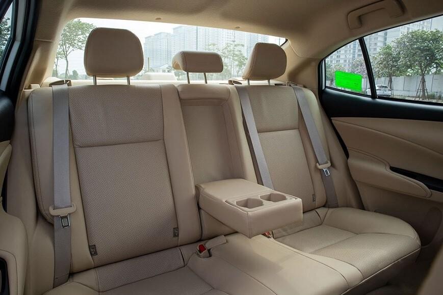 Hàng ghế thứ thứ 2 trên Toyota Vios số tự động bản E CVT