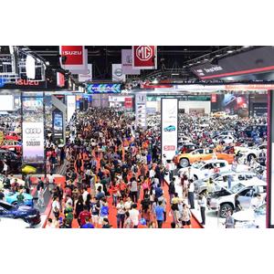 Hàng loạt triển lãm ô tô lớn bị hoãn, huỷ vì đại dịch Covid-19