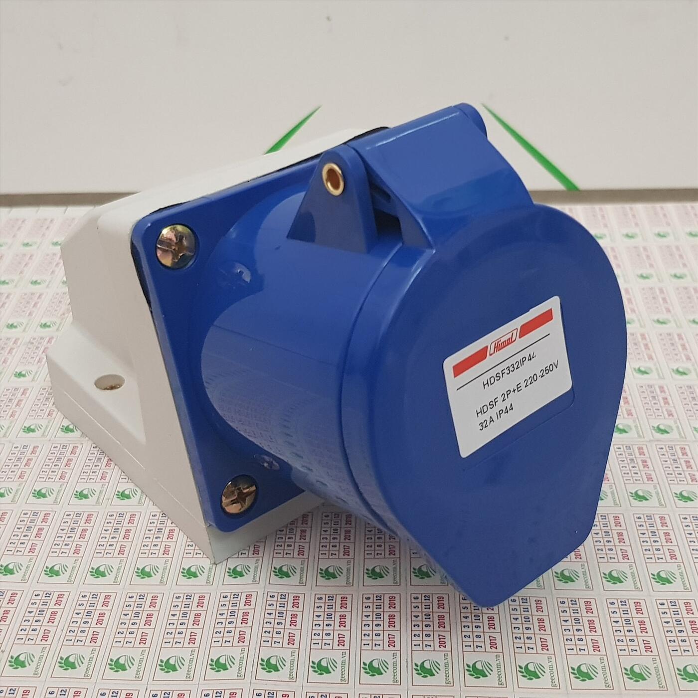 Ổ cắm công nghiệp 4P 32A IP44