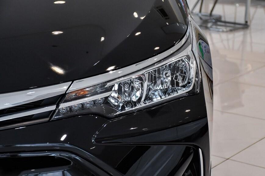 Hệ thống đèn chiếu sáng xe Corolla Altis bản 1.8E CVT