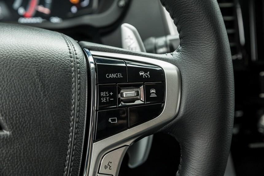 Hệ thống giữ khoảng các xe phía trước Adaptive Cruise Control trên Pajero Sport 4x4 AT