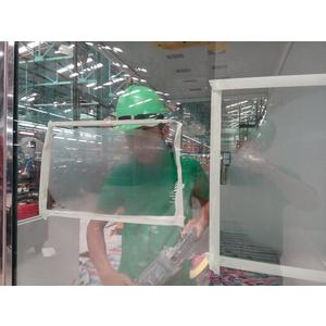 Hỉnh ảnh video phục hồi kính trầy xước, sỉ hàn bắn lên kính tại nhà máy sx ô tô Mercedes-Benz Việt Nam