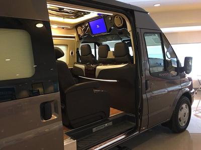 Transit Limousine – Phiên bản Trung Cấp