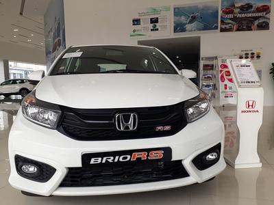 Honda Brio -RS màu trắng