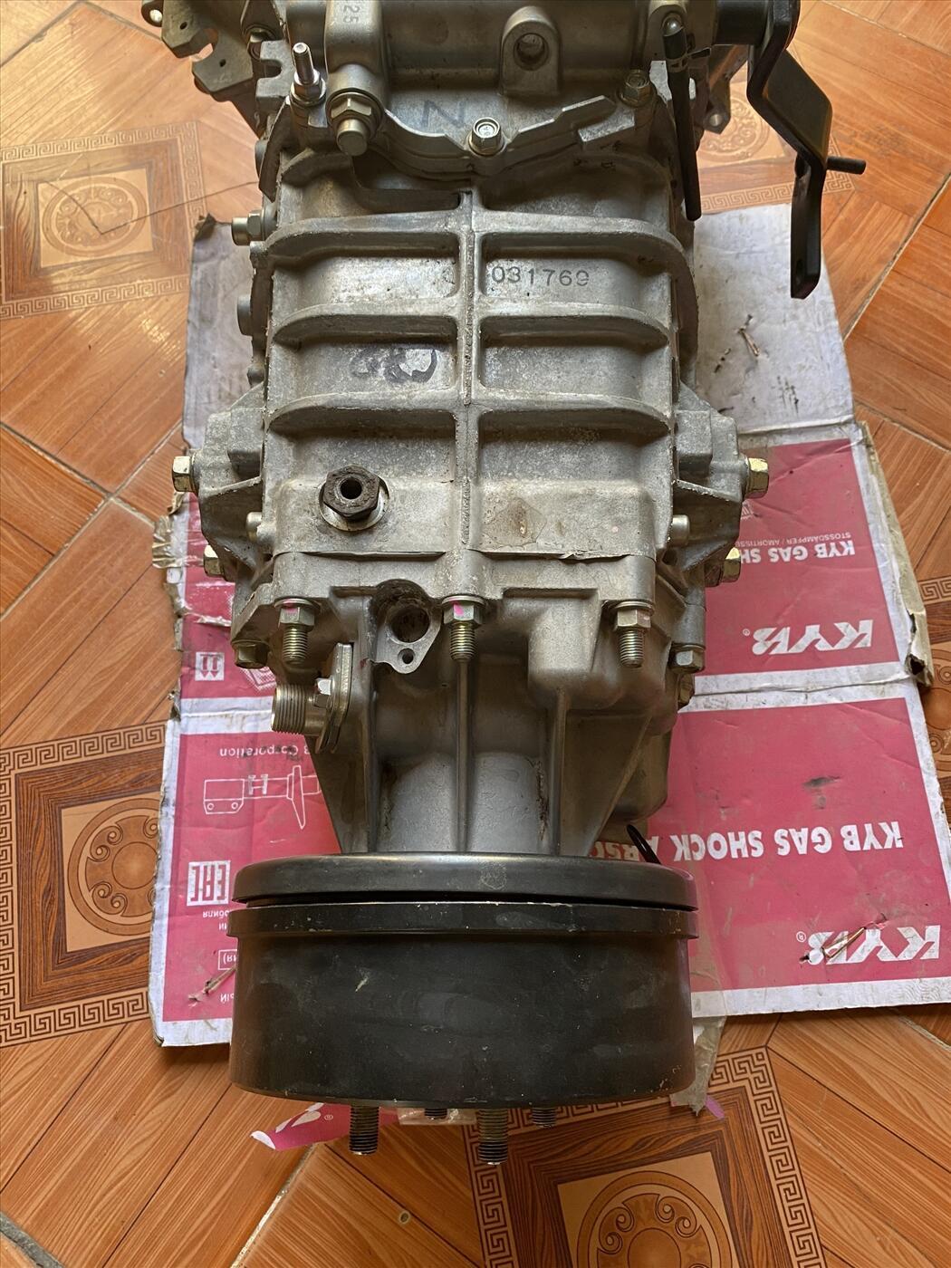 Hộp số xe tải isuzu 4hk1 5.2