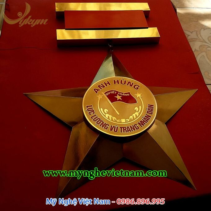 Làm huân chương anh hùng lực lượng vũ trang treo tường, dùng trang trí phòng truyền thồng