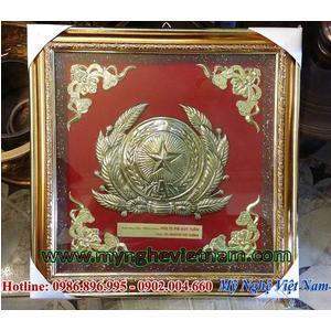 Làm huy hiệu công an mạ vàng làm quà tặng