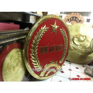 Logo thuế nhà nước sản xuất bằng đồng dập nguyên tấm