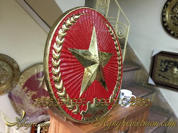 Quân đội hiệu treo cổng doanh trại đk 70cm, 76cm, 80cm, 90cm được làm bằng đồng gò chạm nổi phù điêu 3D theo mẫu chuẩn treo trên cổng các doanh trại quân đội nhân dân việt nam