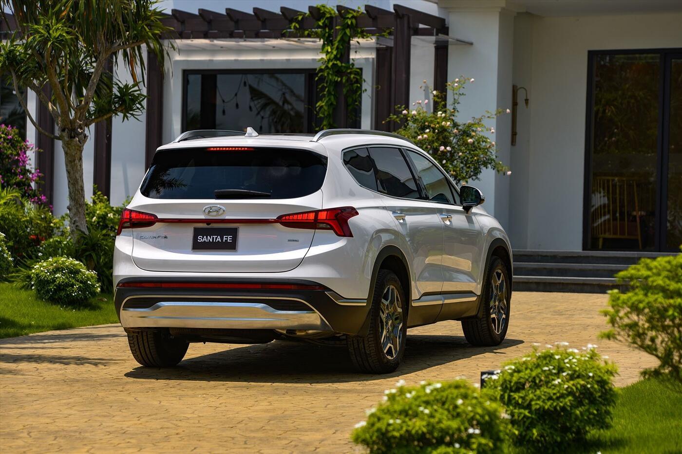 Hyundai Santa Fe 2.2 Dầu - Hình 9