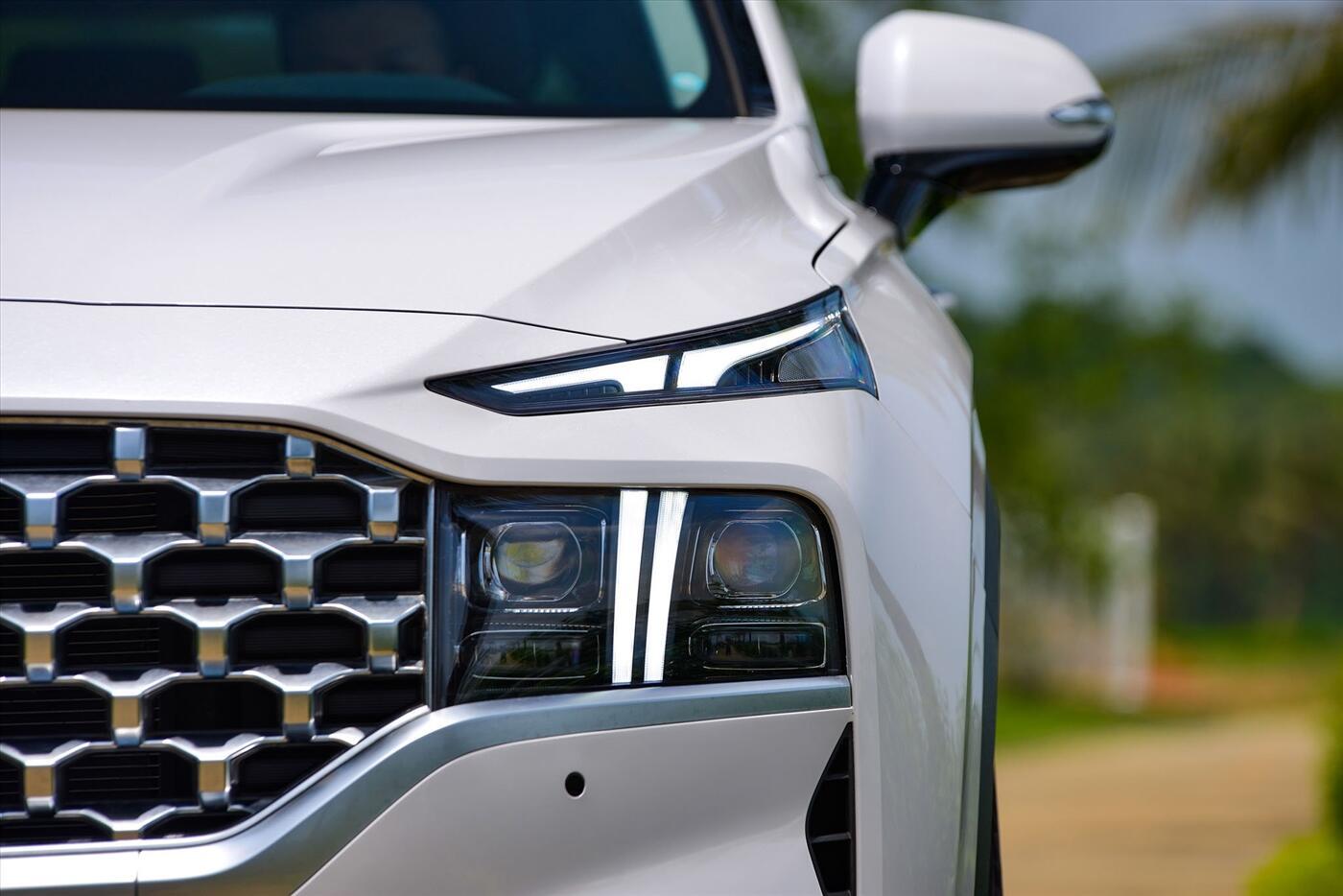 Hyundai Santa Fe 2.2 Dầu - Hình 6