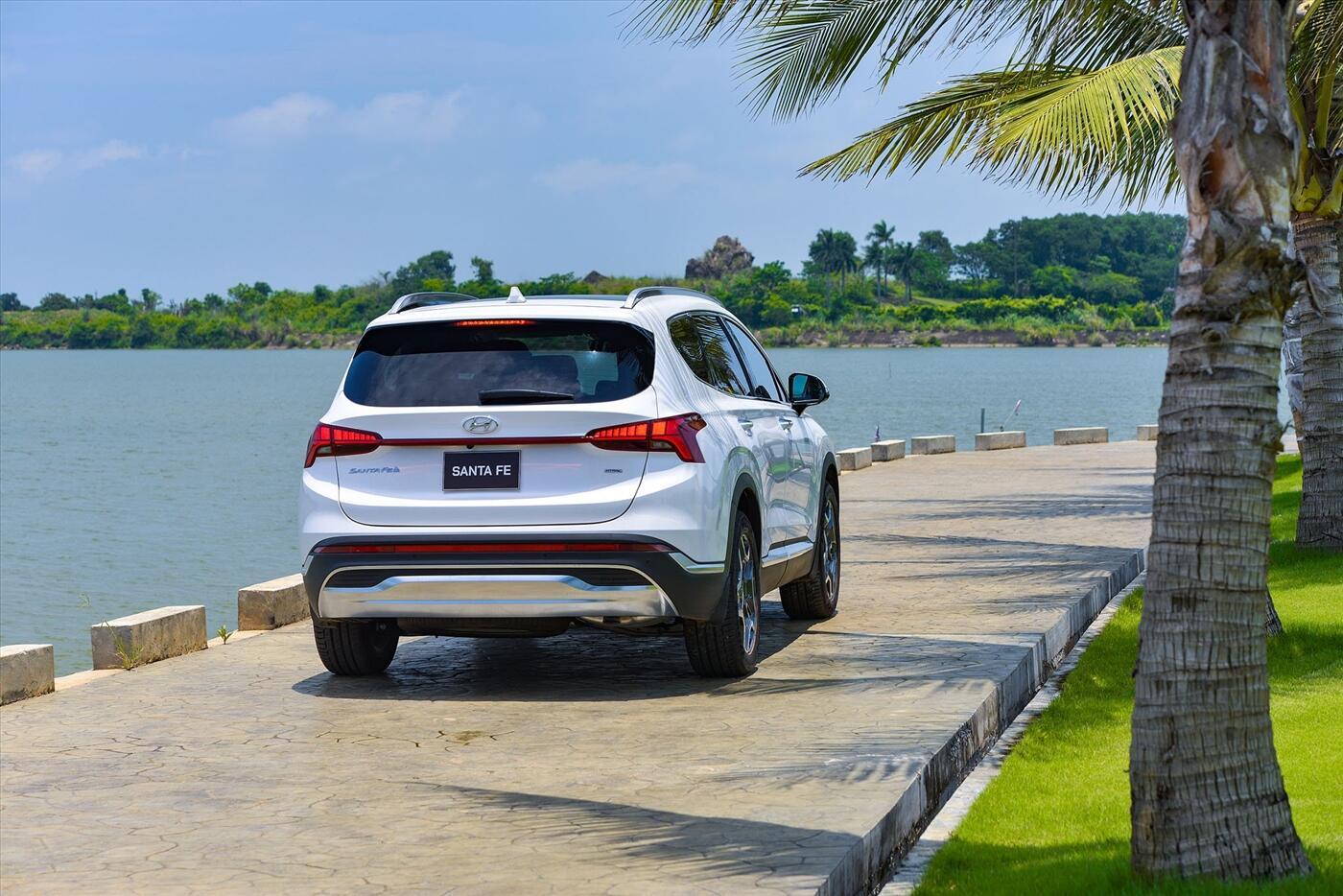 Hyundai Santa Fe 2.2 Dầu - Hình 7