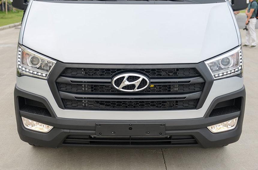 Hyundai Solati - Hình 6