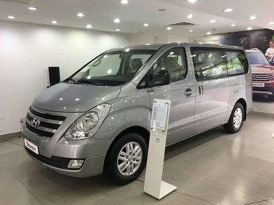 Hyundai Starex Van 6 Chỗ Dầu