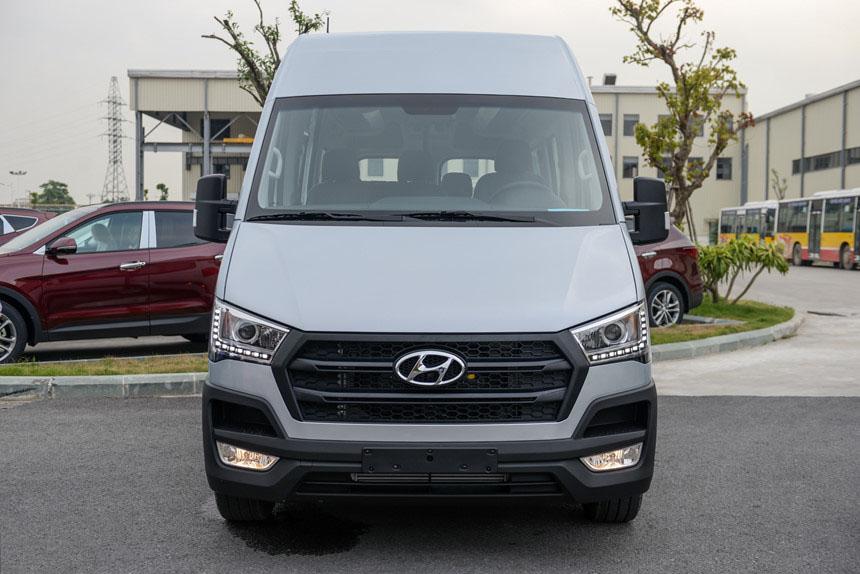 Hyundai Solati - Hình 3