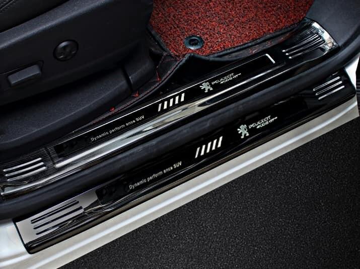 Nẹp chống xước bậc cửa titan đen xe Peugeot 5008 Peugeot 3008