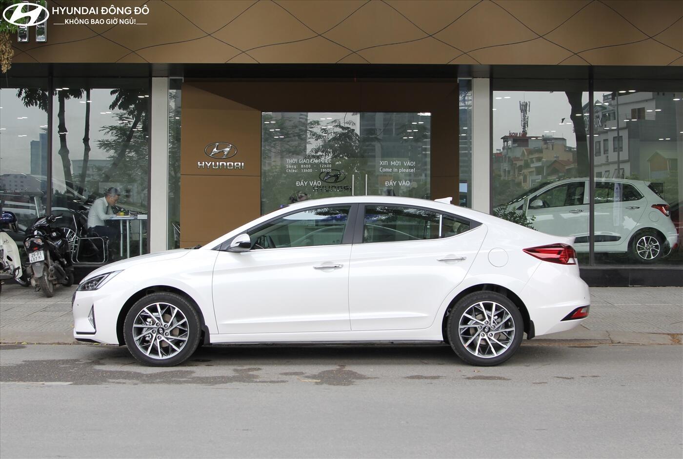 Hyundai Elantra 2.0 AT