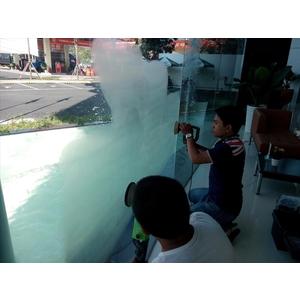 Phục hồi trầy xước kính Toyota Bình Tân