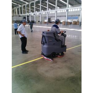 Máy chà sàn liên hợp ngồi lái GM MINI