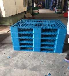 Pallet nhựa MPL08T