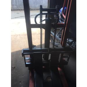 Khắc phục lỗi bị xì nhớt xe nâng tay cao Meditek tải trọng 1000kg