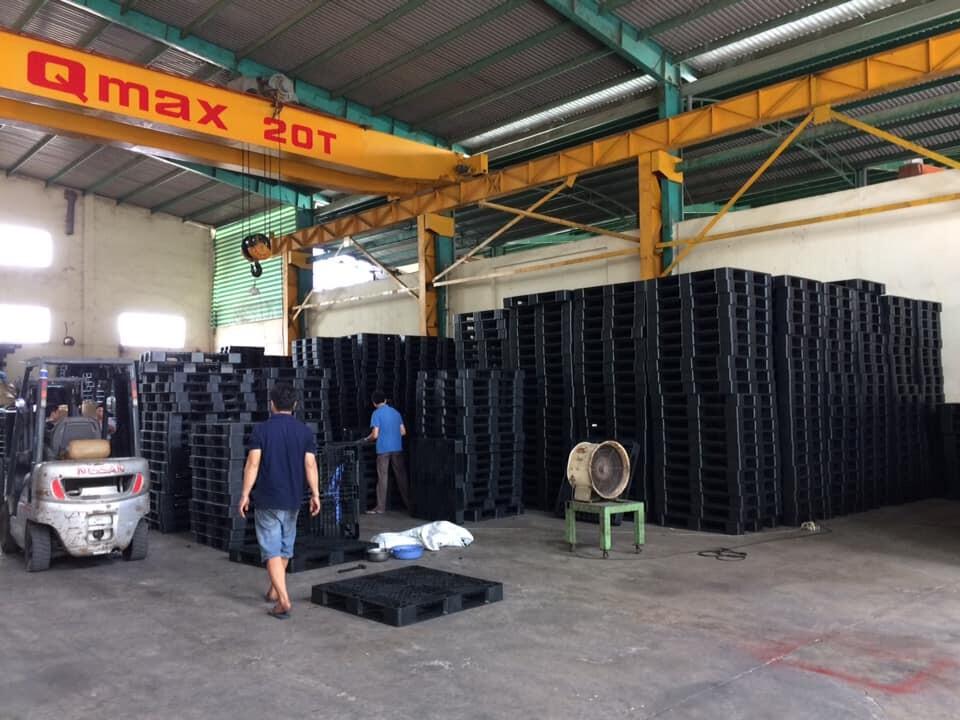 Kho hàng pallet nhựa Bảo Phát