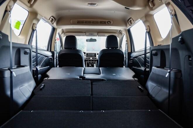 Không gian hành lý rộng rãi khi gập cả 3 hàng ghế trên Xpander