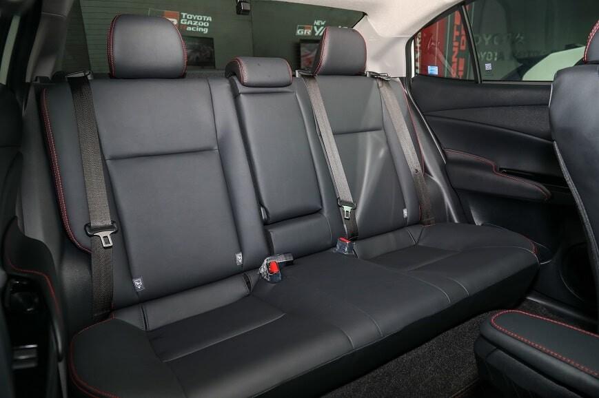 Không gian người ngồi hàng ghế thứ 2 của Toyota Vios G Sport
