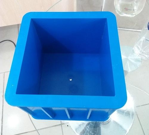 Khuôn đúc mẫu bê tông lập phương bằng nhựa