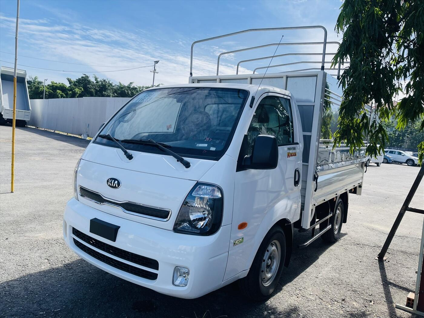 Xe tải KIA K200S 2WD - Thùng mui bạt - Tải trọng 1,49 tấn