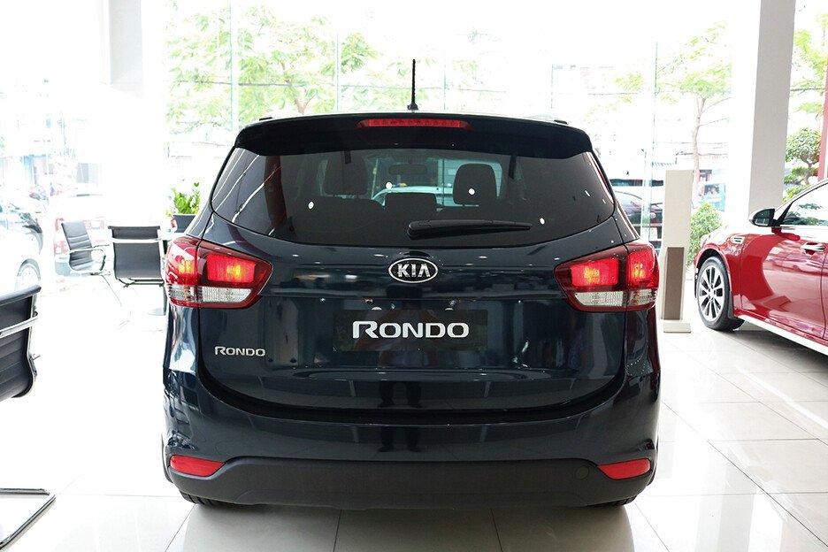 KIA Rondo 2.0L Deluxe MT
