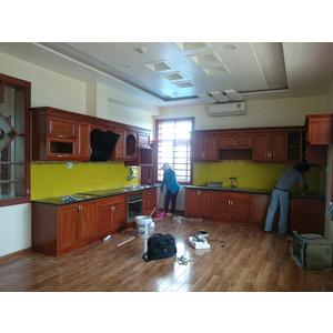 Thi công lắp đặt kính màu ốp bếp tại Quận Tân Phú, Tp HCM