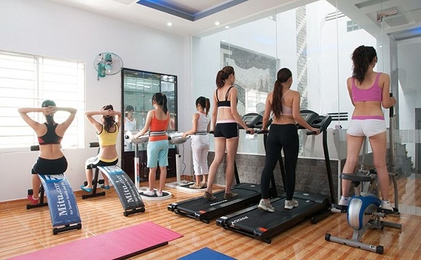 Thi công Kính thủy Gương soi phòng tập Gym Quận Phú Nhuận Tp HCM